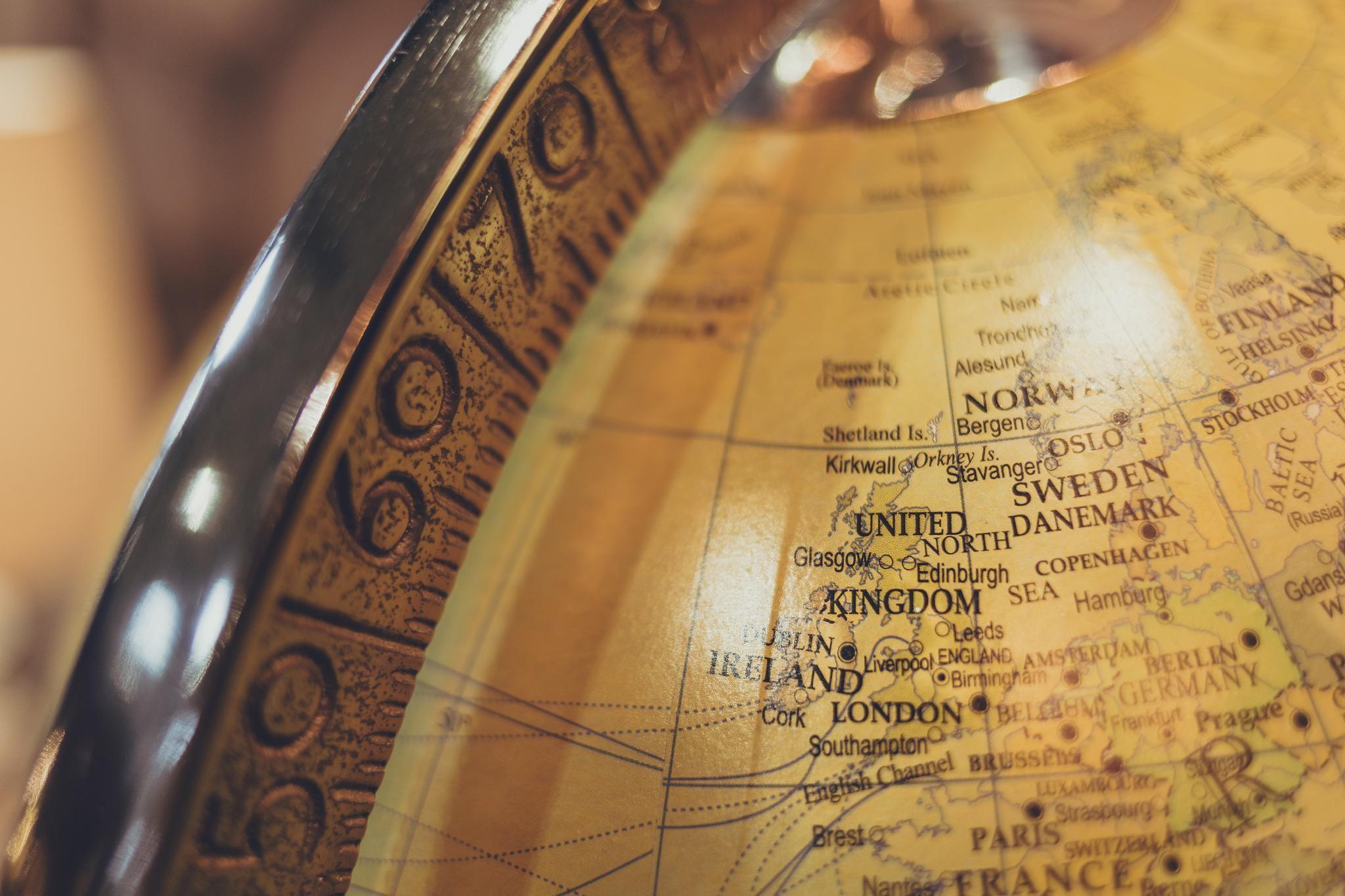 globe uk close up - how Autumn Fai r is laid out