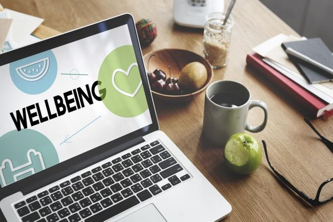 Promoting Digital Wellbeing by Encouraging Positive Online Behaviour