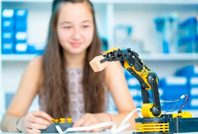 The rise of AI and robots – how do we start learning?