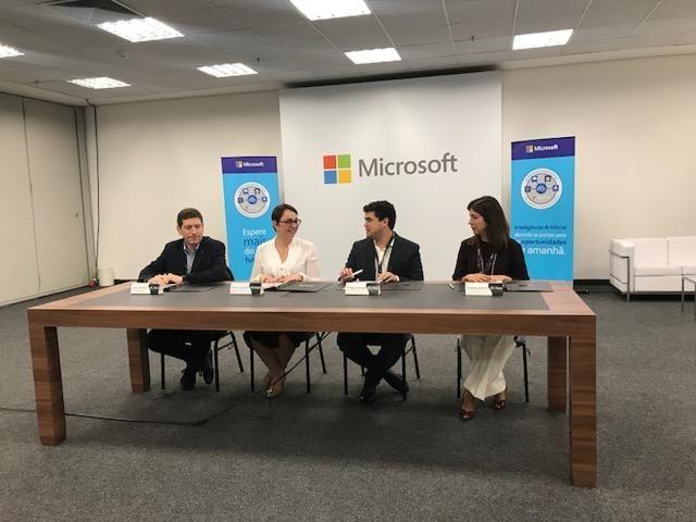 Microsoft firma parceria com associações de ensino para capacitação em Inteligência Artificial