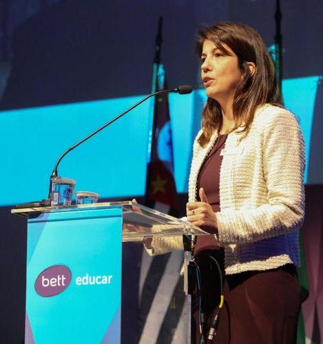 Claudia Val'rio