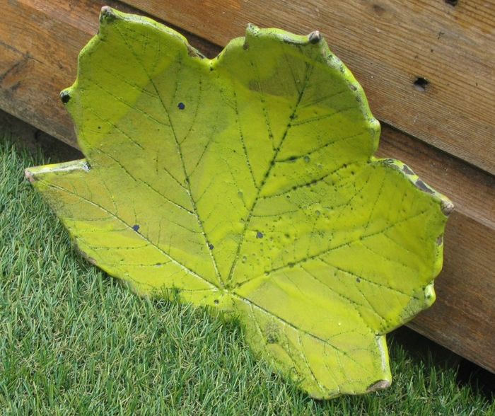 Handcrafted Stoneware Leaf Art Dishes and Bowls