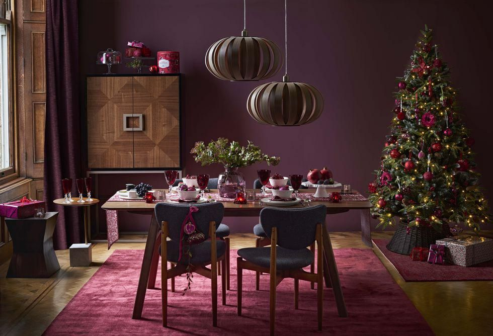 ruby-wicker-christmas-tree