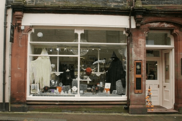 halloween window displays