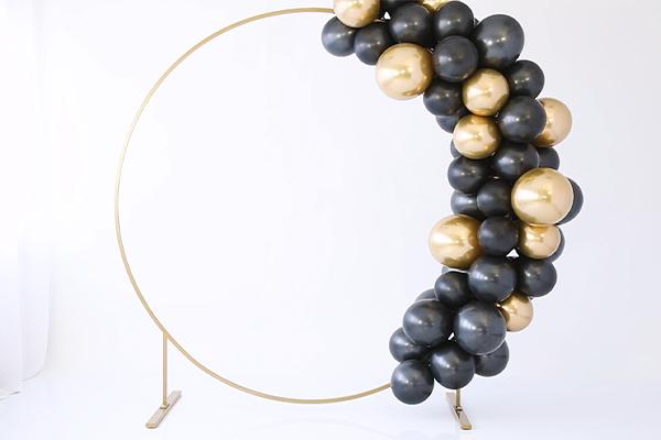 Circle backdrop stand + balloon garland DIY!