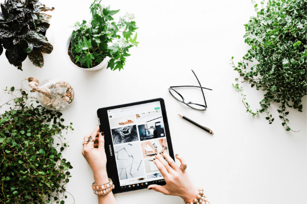 5 Factors Influencing Online Shopping