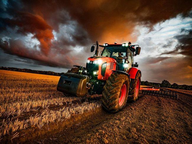 Kubota launches third generation tractor series M7003