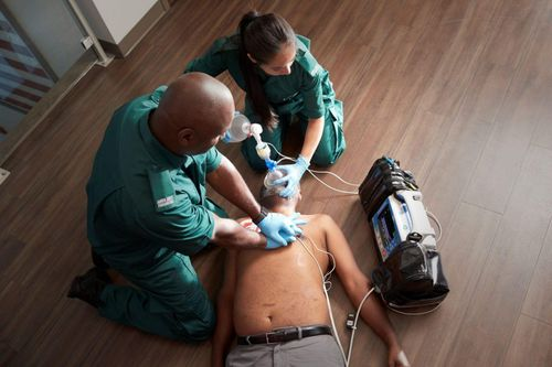 Advanced technology in new Zoll monitor/defibrillator improves patient outcomes