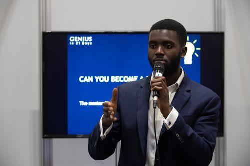 Male Speaker Talk on Genius in 21 Days