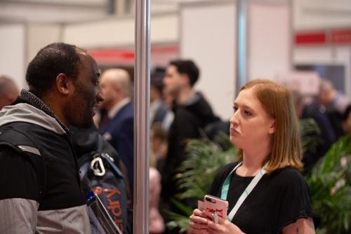 Visitor and Exhibitor Conversation