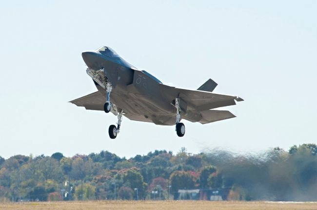 Japan to receive more precision air-launched missiles for its F-35 fighters