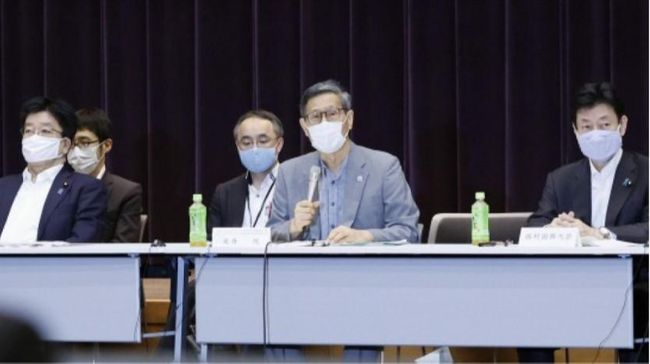 Japan to further ease virus-triggered rules on big events as planned