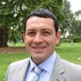 Dr. Max Niño-Zarazúa