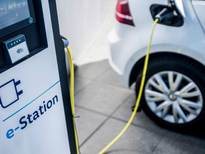 Energy Web, Volkswagen partner on blockchain charging for electric vehicles