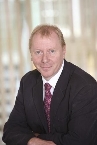 Simon Minett