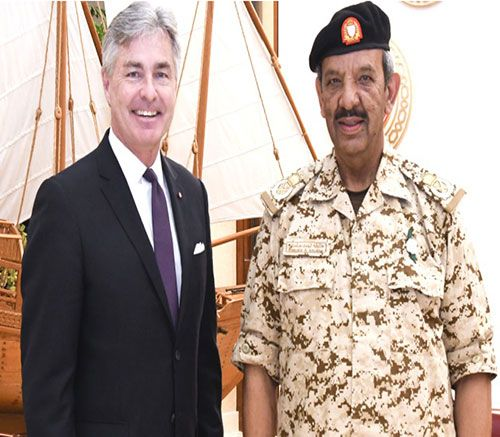 Bahrain's Commander-in-Chief Receives US Secretary of Navy