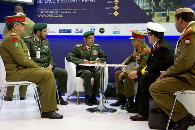 Chiefs of Staff from Bahrain and UAE visit BIDEC stand at IDEX