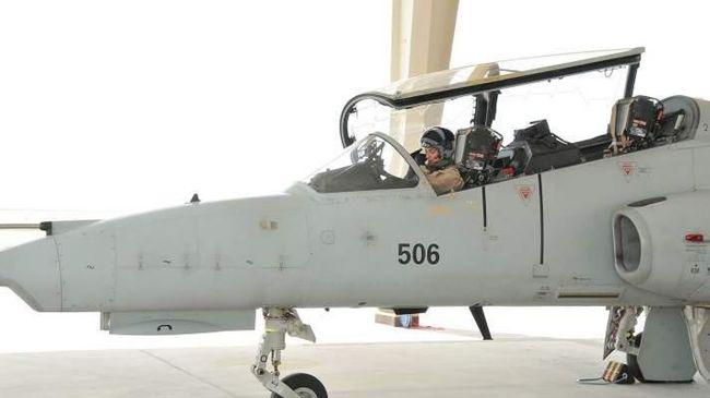 First female Bahraini royal flies warplane
