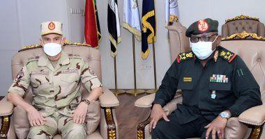 الفريق محمد فريد يعود لمصر بعد انتهاء زيارته للكونغو الديمقراطية والسودان