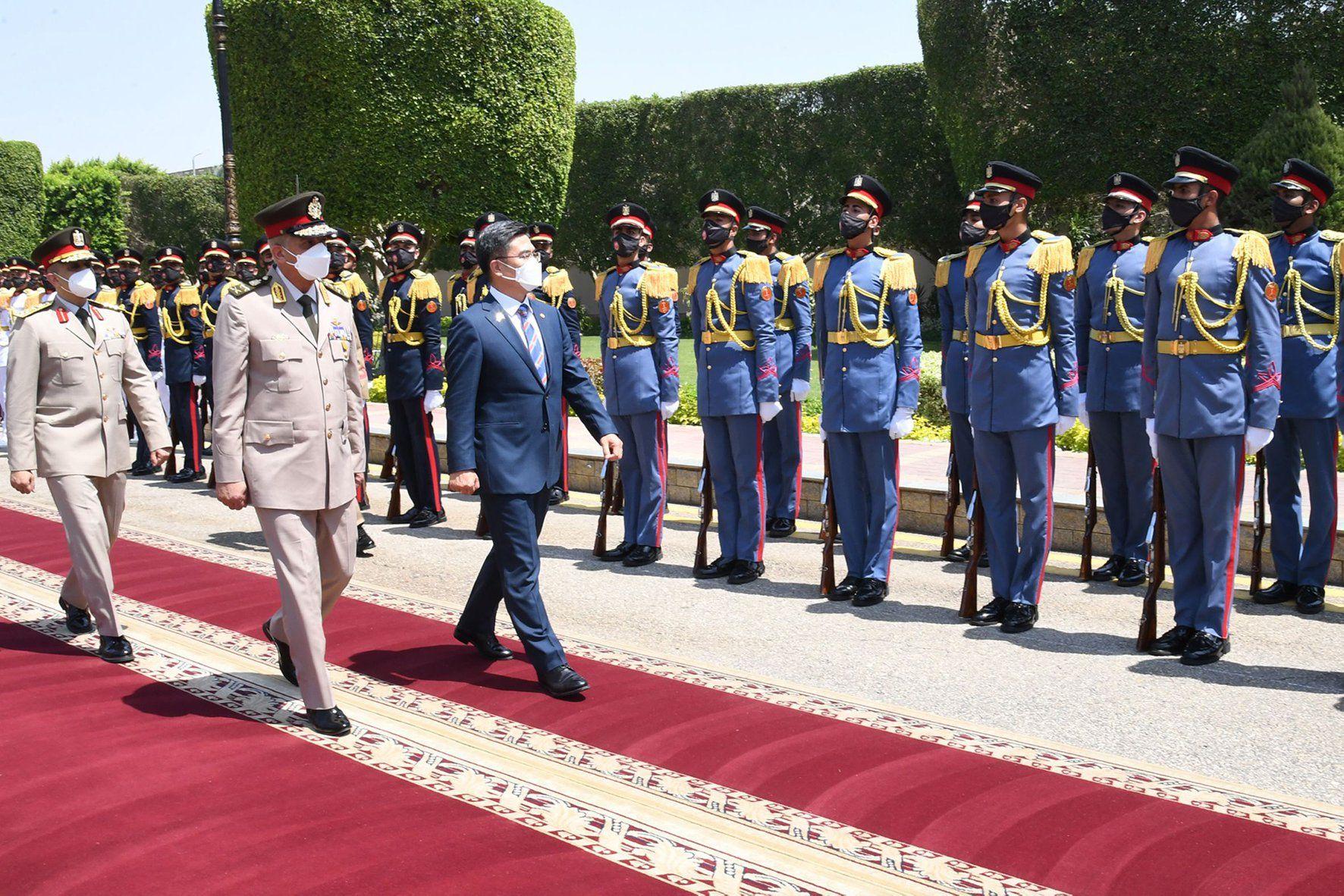 مصر وكوريا الجنوبية تبحثان زيادة التعاون العسكري بينهما
