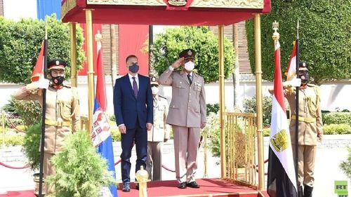 توقيع بروتوكول تعاون عسكري بين مصر وصربيا