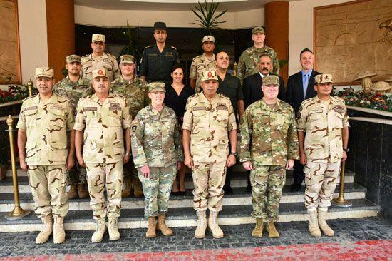قائد الحرس الوطنى لولاية تكساس تلتقى بعدد من كبار قادة القوات المسلحة