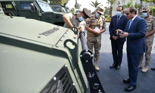 Sisi inspects armored vehicles developed in Egyptian army's factories