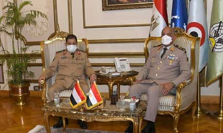 Egypt's defence minister discusses cooperation with Yemeni counterpart