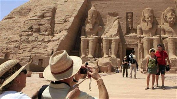 Over 500K tourists from 20 countries visited Egypt in April: Minister