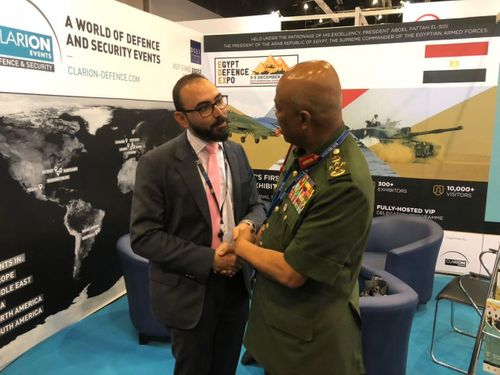 Malaysian Chief of Defence Forces visits EDEX Stand at DSA
