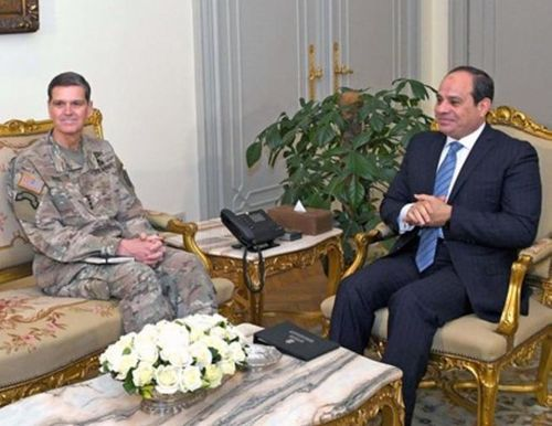 Egyptian President Hails Military Cooperation with US