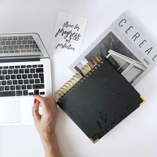 Daily Planner Elegant Black 2019