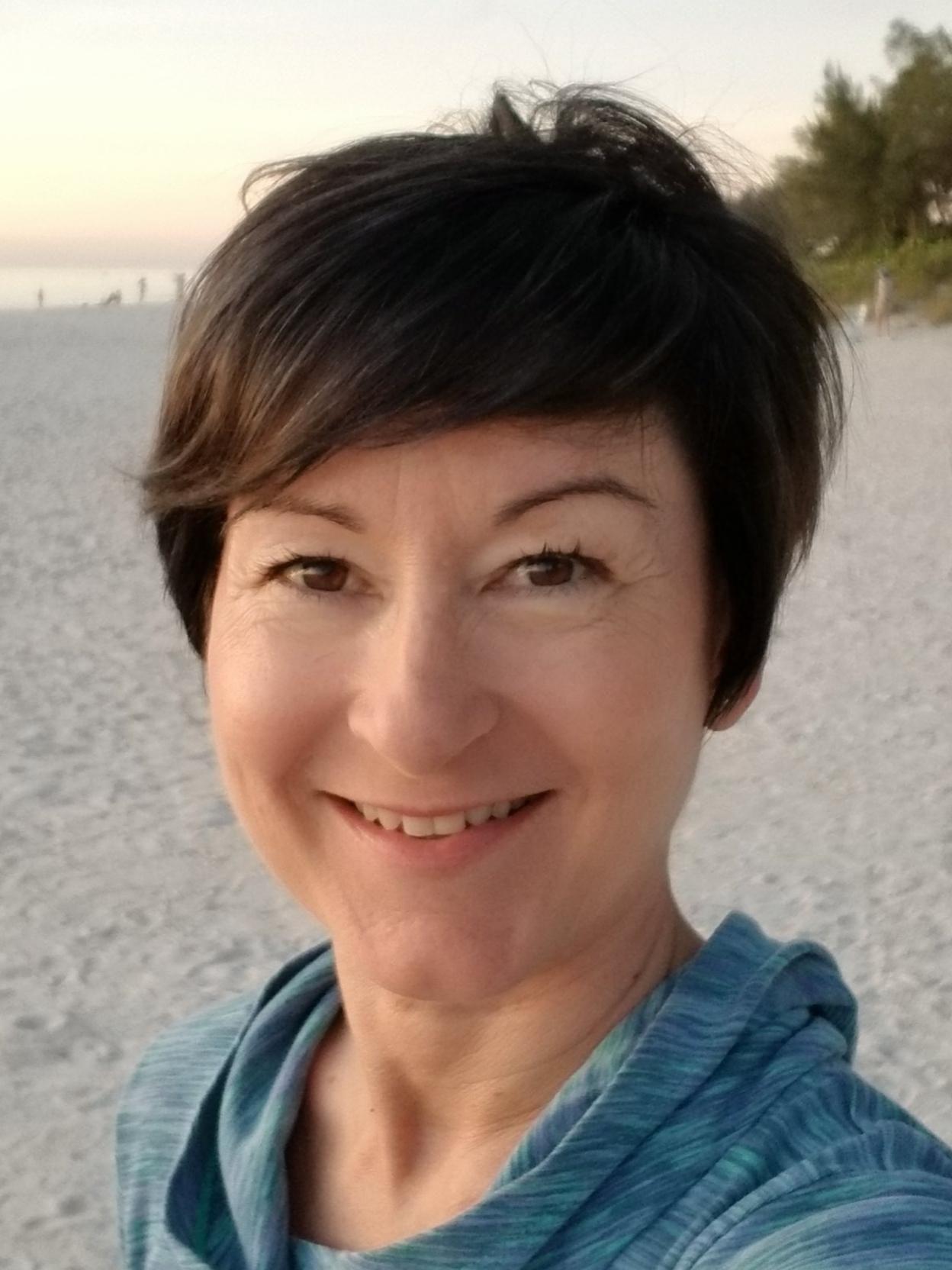 Dr Elaine M Raybourn