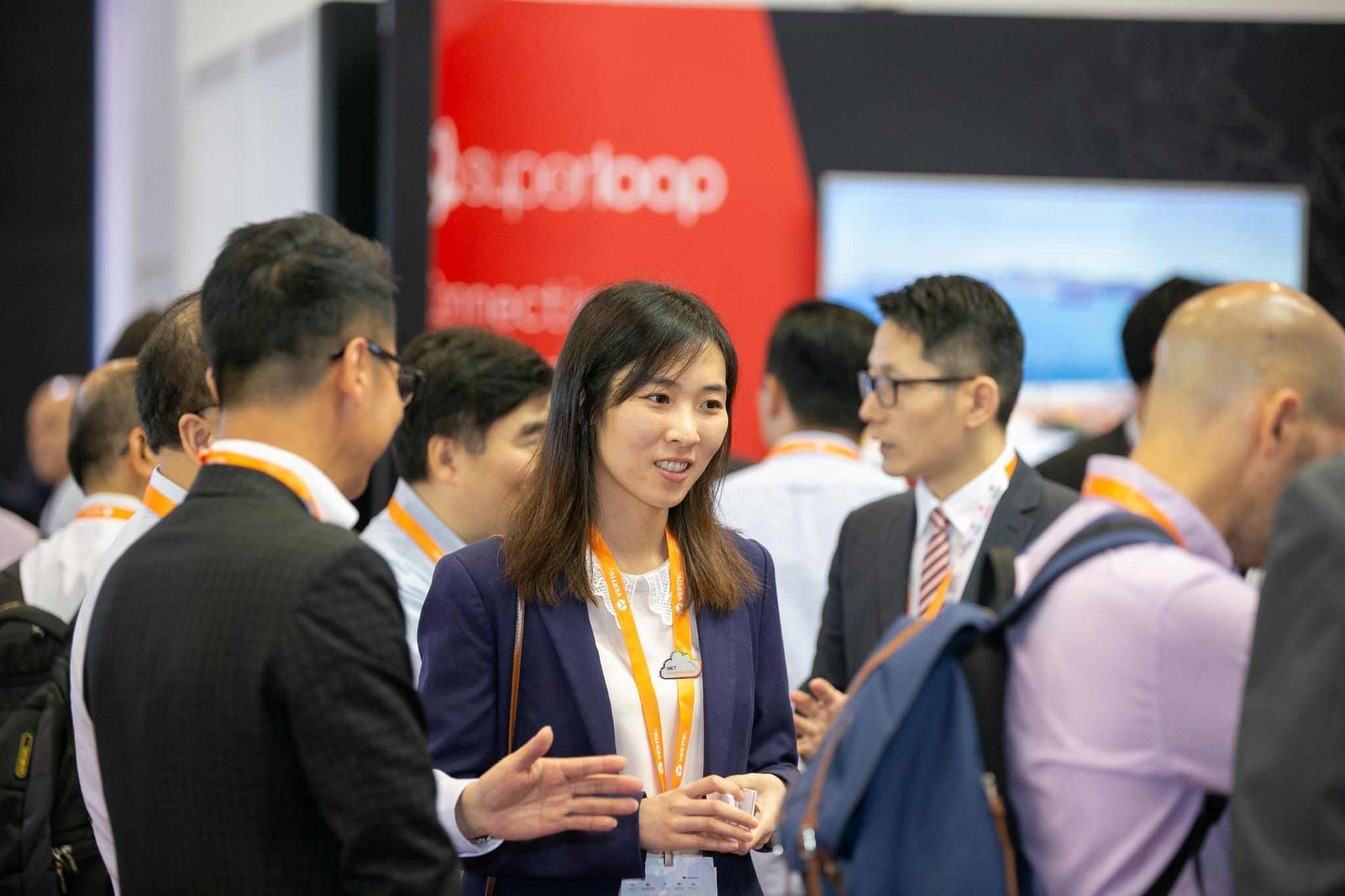 Visitors mingling at cloud expo asia hong kong