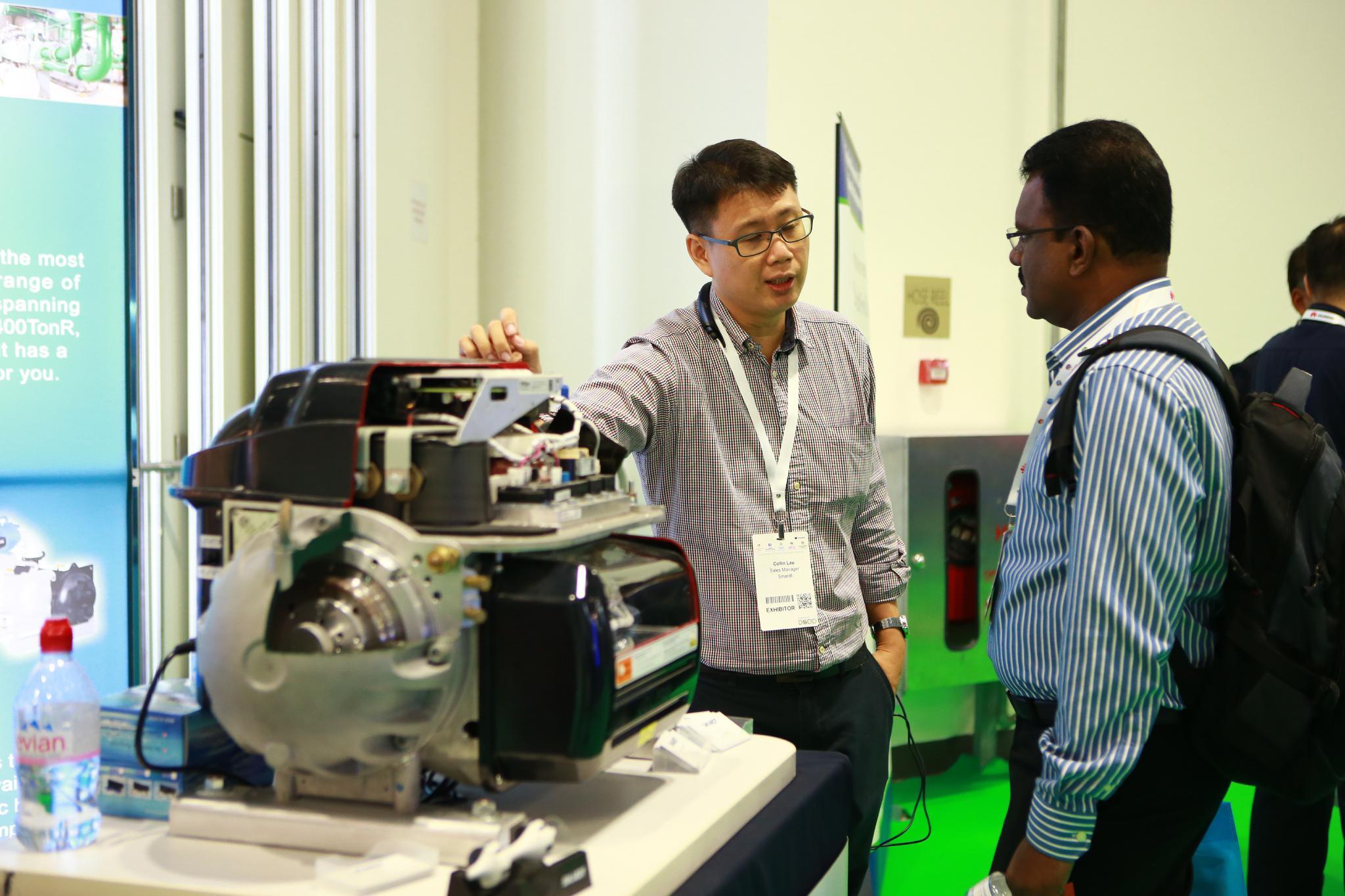 sponsor explaining data centre product to delegate