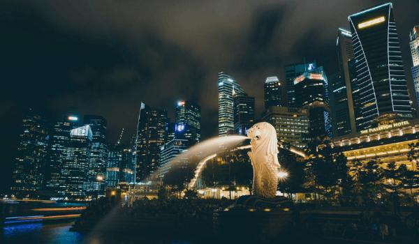 singapore night skyline merlion