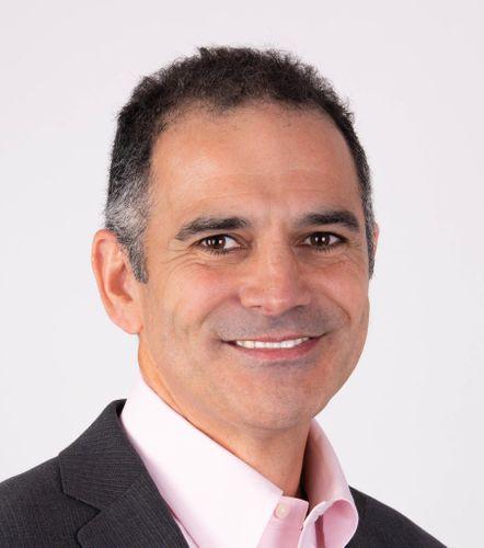 Victor Avelar