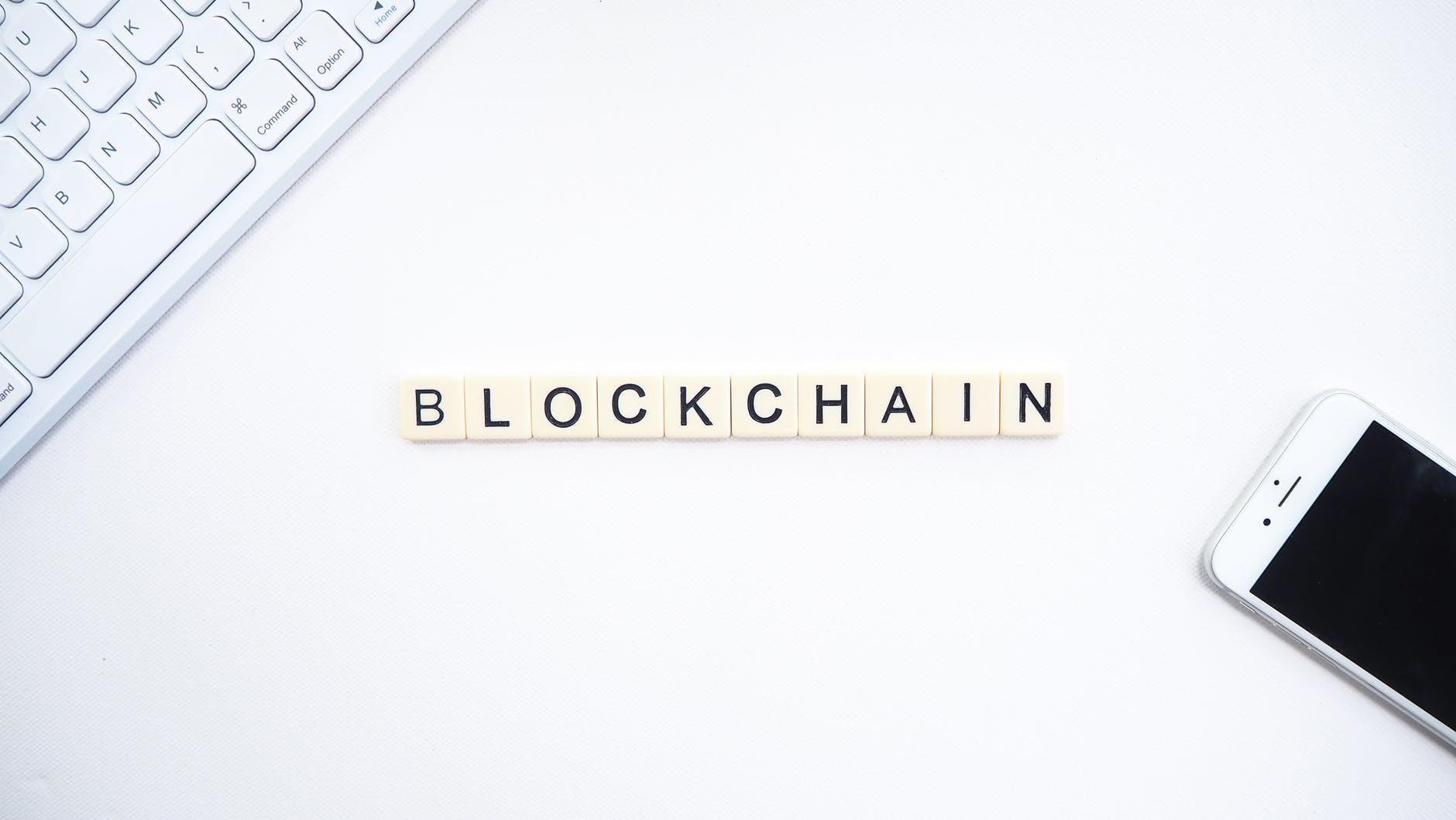 Blockchain : dans quels domaines clés les entreprises françaises doivent-elles renforcer leur connaissance ?