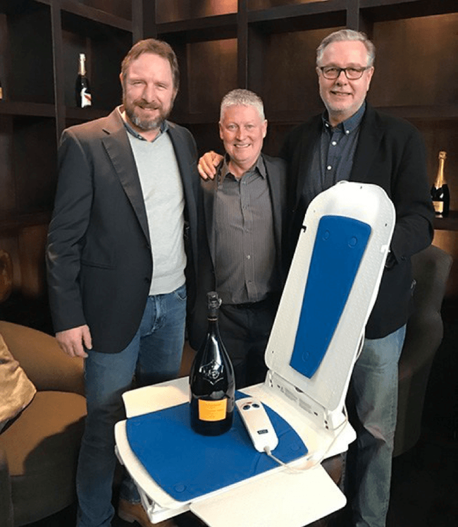 Bathlift innovation with longest warranty set to reduce £5 million waste in Community Equipment Stores on spares, cleaning and call-outs – KANJO BATHLIFT 4 YEAR WARRANTY INCLUDING BATTERY HANDSET.