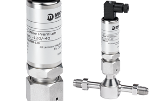 Trace moisture transmitter for UHP gases with smart digital connectivity