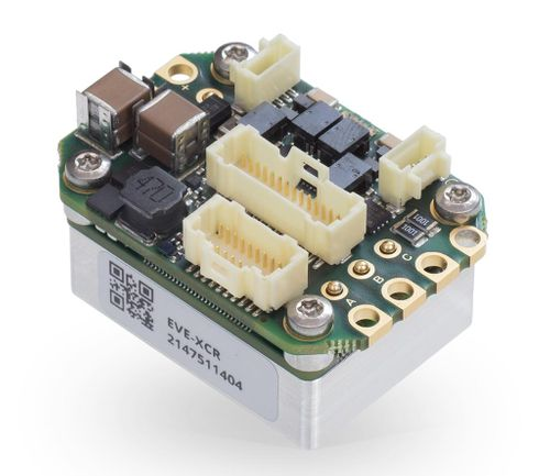 Powerful and compact Everest XCR servo drive for robotics applications