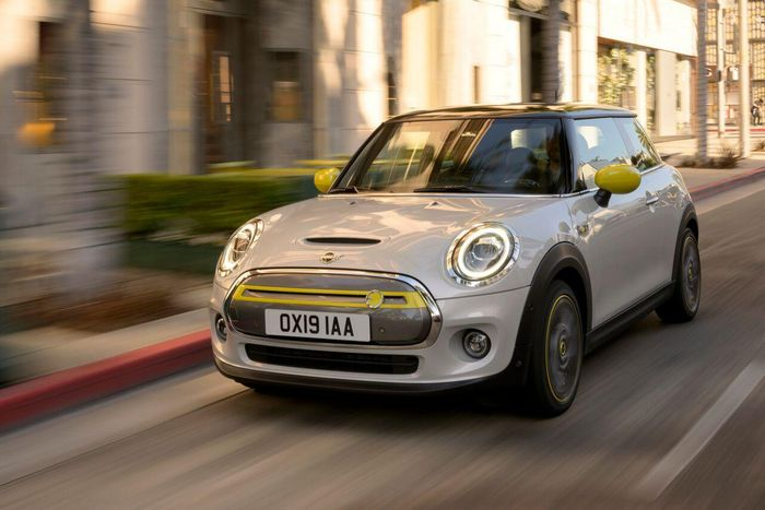 A Look at the Electrically Powered MINI Cooper SE