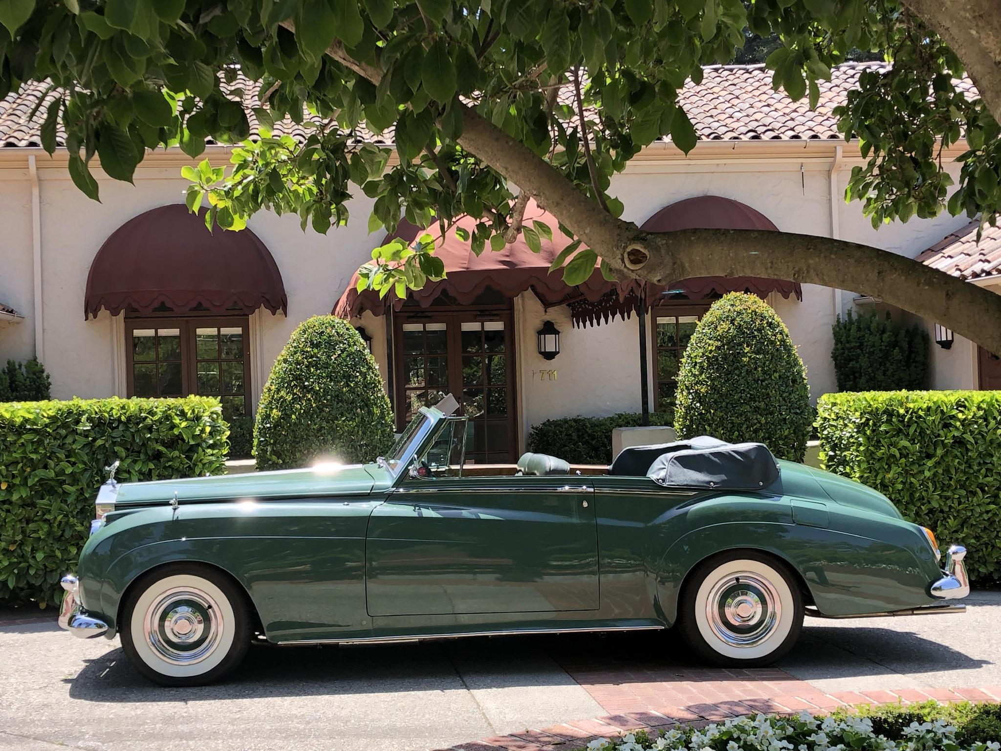 Elizabeth Taylor's Rolls Royce is Up For Auction