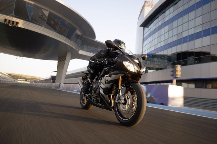 Triumph Announces the Daytona Moto2TM 765 Limited Edition