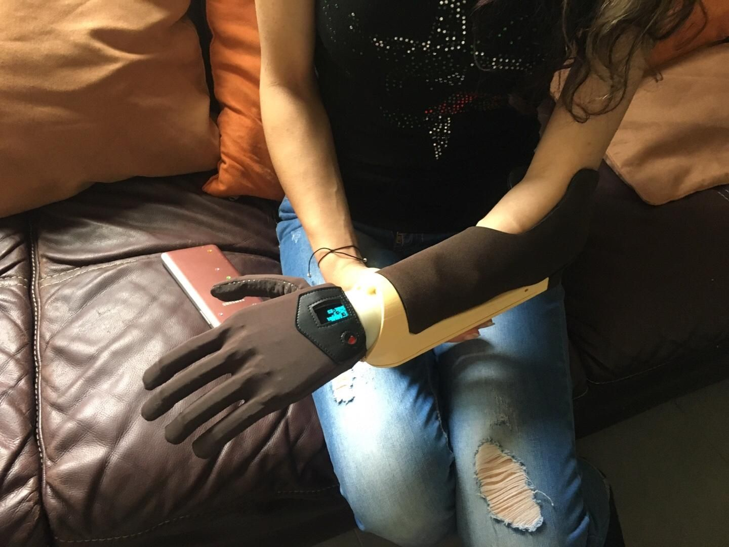 Mand.ro - Affordable 3D-Printed Prosthetic Hand Maker