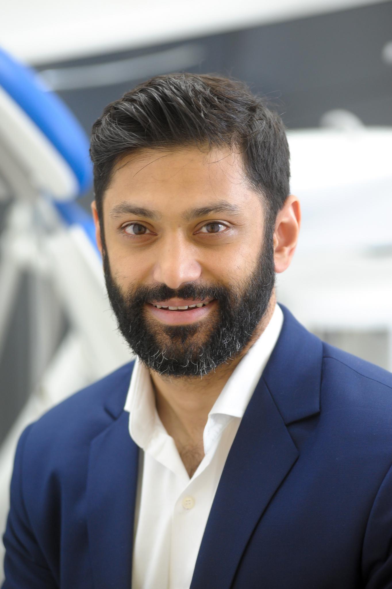 Dr.Sam Shah