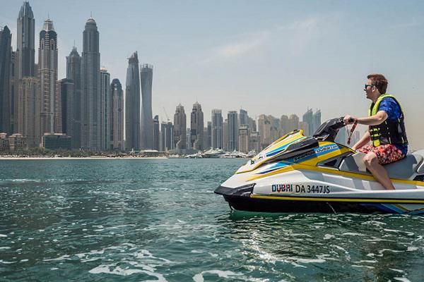 Take the Plunge with Dubai's Water Experiences