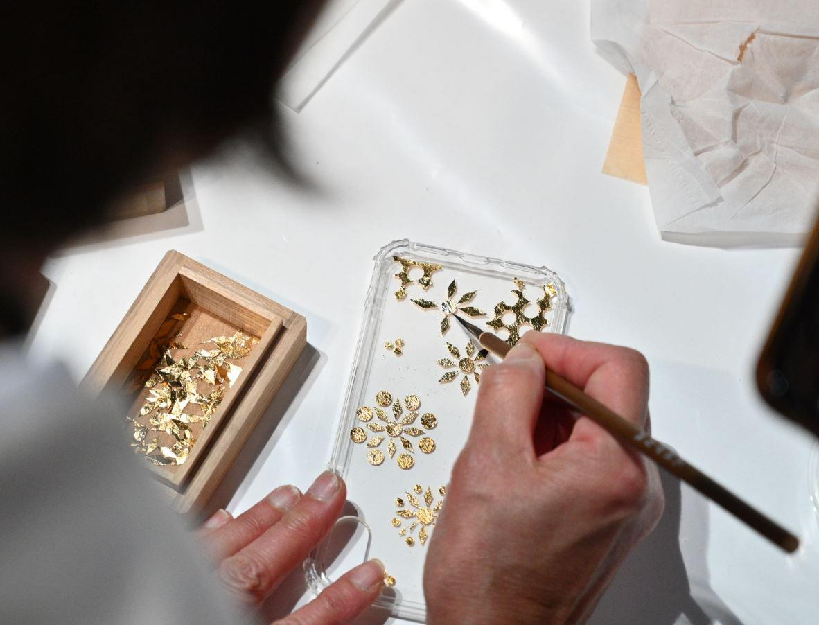 Gold Flakes Workshop
