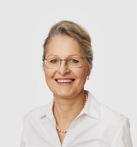 Dr. Birgit Simmer-Korneli