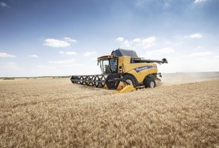 New Holland CX7/8 Combines. Tonnes of Versatility
